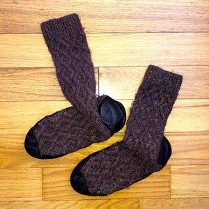 Acorn slipper socks size 8/9